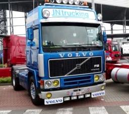 Volvo S40 и Volvo V40 в деталях. Младший в семье