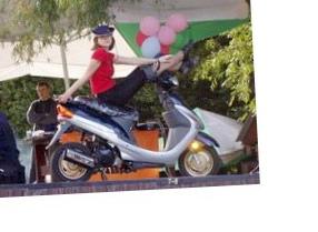 vnimanie-na-doroge-motoroller_1.jpg